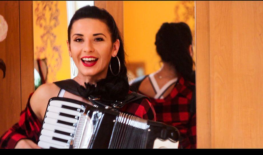 Kateryna - Музыкант-инструменталист Прокат звука и света  - Киев - Киевская область photo