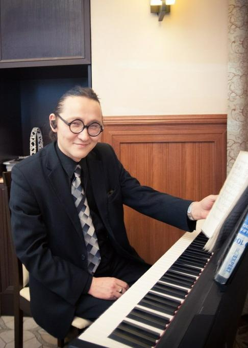 Тимур Рысмаганбетов - Музыкант-инструменталист Певец  - Санкт-Петербург - Санкт-Петербург photo