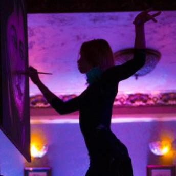 Закажите выступление Марта Тиш Танцующий Художник на свое мероприятие в Москва