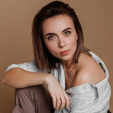 Закажите выступление Юлия Мельник на свое мероприятие в Полтава