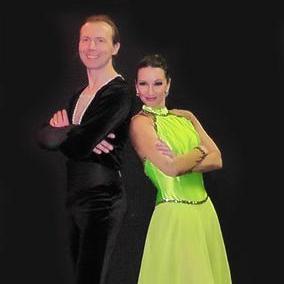 Закажите выступление Виталий Опекан & Елена Калашникова-Фигуристы на роликах. на свое мероприятие в Москва
