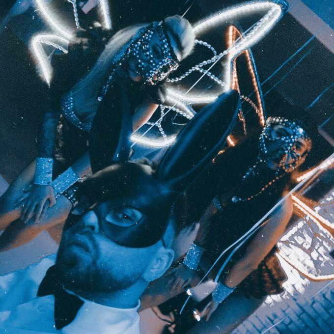 Денис Жгарёв - Ведущий или тамада Ди-джей Организация праздников под ключ  - Киев - Киевская область photo