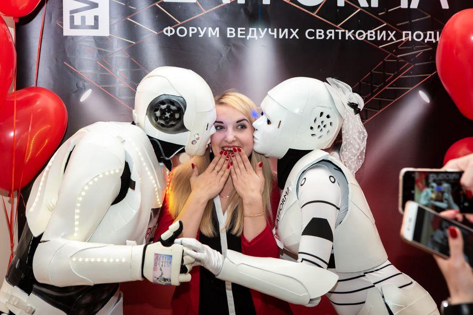 Роботы для мероприятий RobotsEvent - Оригинальный жанр или шоу Организация праздников под ключ  - Киев - Киевская область photo