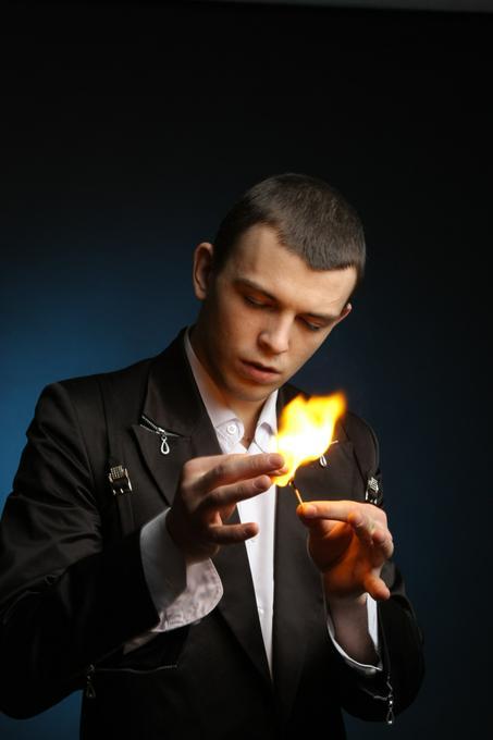 Илья Левченко - Иллюзионист Фокусник  - Днепр - Днепропетровская область photo