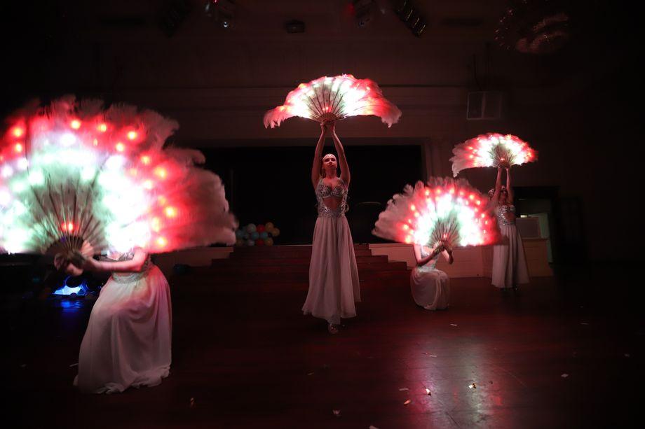 Световое шоу - Танцор Оригинальный жанр или шоу  - Одесса - Одесская область photo