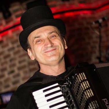 Данил Денисов - Музыкант-инструменталист , Киев,  Пианист, Киев Гитарист, Киев Аккордеонист, Киев