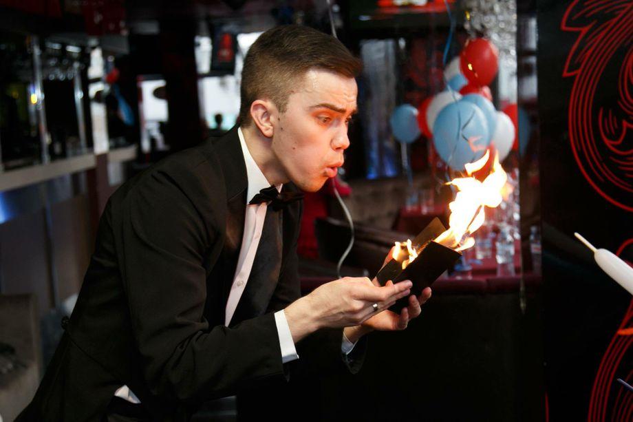 Максим Василенко - Иллюзионист Фокусник  - Киев - Киевская область photo