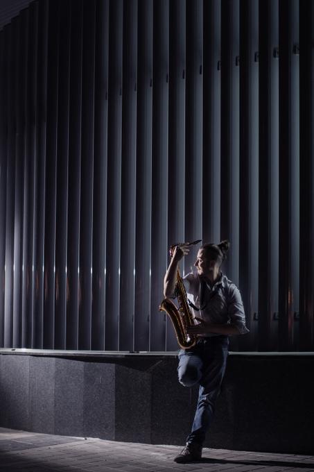 Саксофонист Сивак Александр (саксофон, флейта и кларнет) - Ансамбль Музыкант-инструменталист Ди-джей  - Киев - Киевская область photo