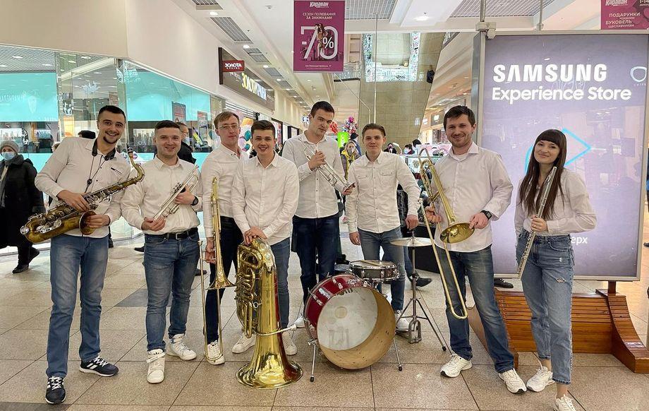 Cheerful Band - Музыкальная группа Ансамбль Оригинальный жанр или шоу  - Днепр - Днепропетровская область photo