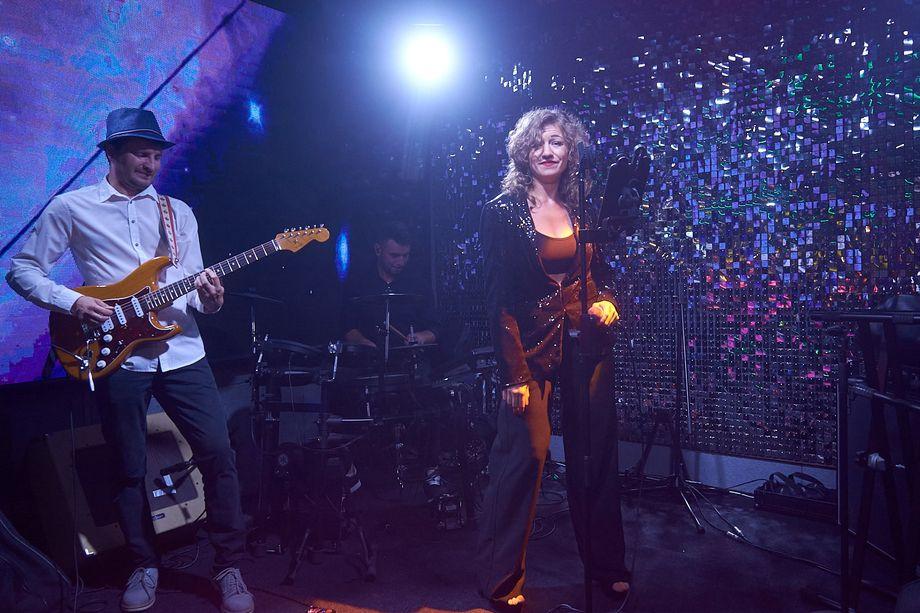 WOW! BAND - Музыкальная группа Ансамбль  - Киев - Киевская область photo