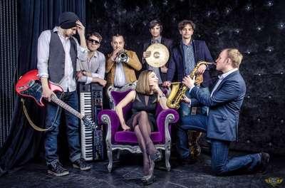 Закажите выступление Hot Cover band на свое мероприятие в Москва