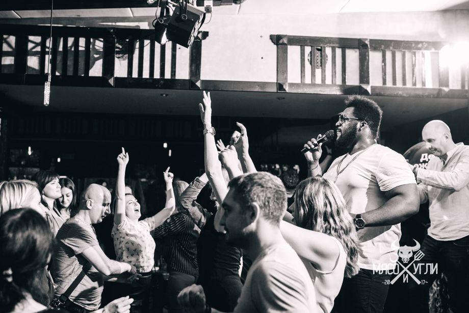#НеБлондин - Ведущий или тамада Музыкальная группа  - Москва - Московская область photo