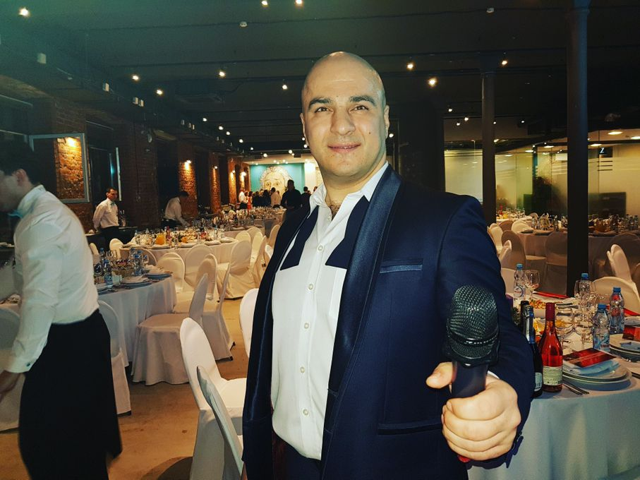 Ведущий Юрий Камбарян - Ведущий или тамада Певец  - Киев - Киевская область photo