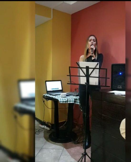 Юлия Любви - Ведущий или тамада Певец Организация праздников под ключ  - Киев - Киевская область photo
