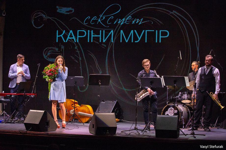 POLLI (Karina Mugir) - Музыкальная группа Певец  - Киев - Киевская область photo