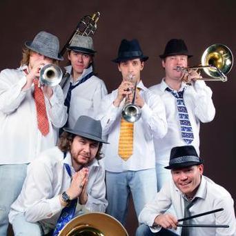 Закажите выступление Tinto Brass Band на свое мероприятие в Москва