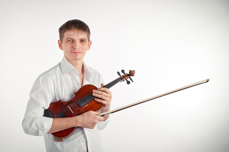Скрипач Александр Кирющенко - Музыкант-инструменталист  -  -  photo