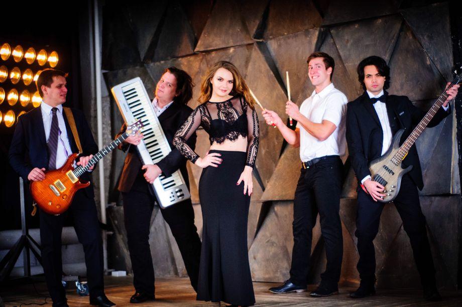 Кавер группа Mon Plaisir - Музыкальная группа Ансамбль  - Москва - Московская область photo