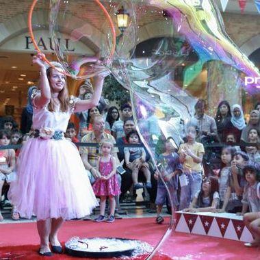 Закажите выступление Helena bubble show на свое мероприятие в Киев