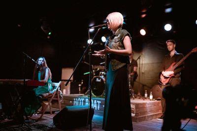 Настя Андреева & группа Holiday - Музыкальная группа Певец  - Одесса - Одесская область photo