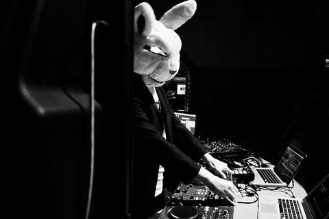 Закажите выступление DJ Mad Rabbit на свое мероприятие в Львов