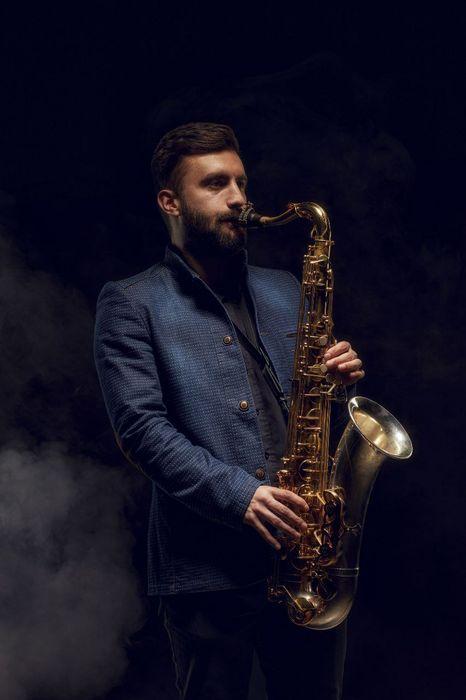 Закажите выступление Саксофонист  Давид Колпаков на свое мероприятие в Киев
