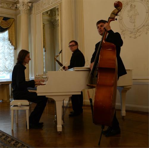 Закажите выступление Cool Jazz Trio на свое мероприятие в Санкт-Петербург