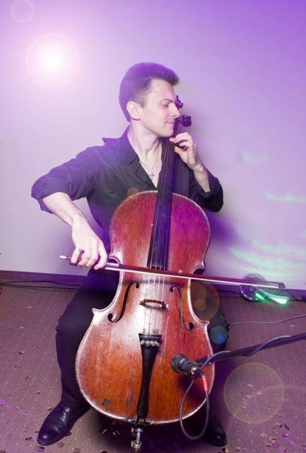 Музыкант(Рок виолончель)+ Диджей + Ведущий(МС). Киев. - Музыкант-инструменталист  - Киев - Киевская область photo