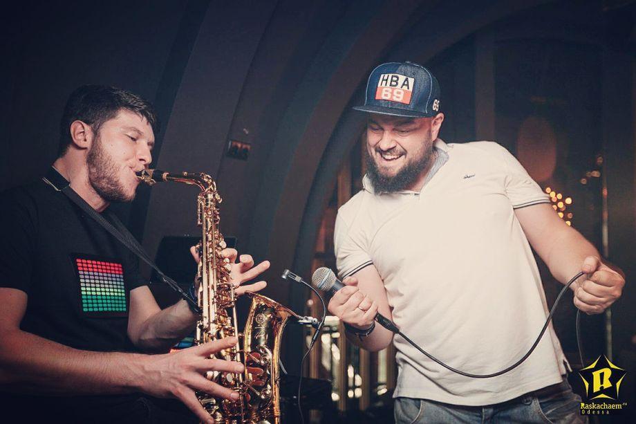 MixailKylikoV - Музыкант-инструменталист Оригинальный жанр или шоу  - Одесса - Одесская область photo