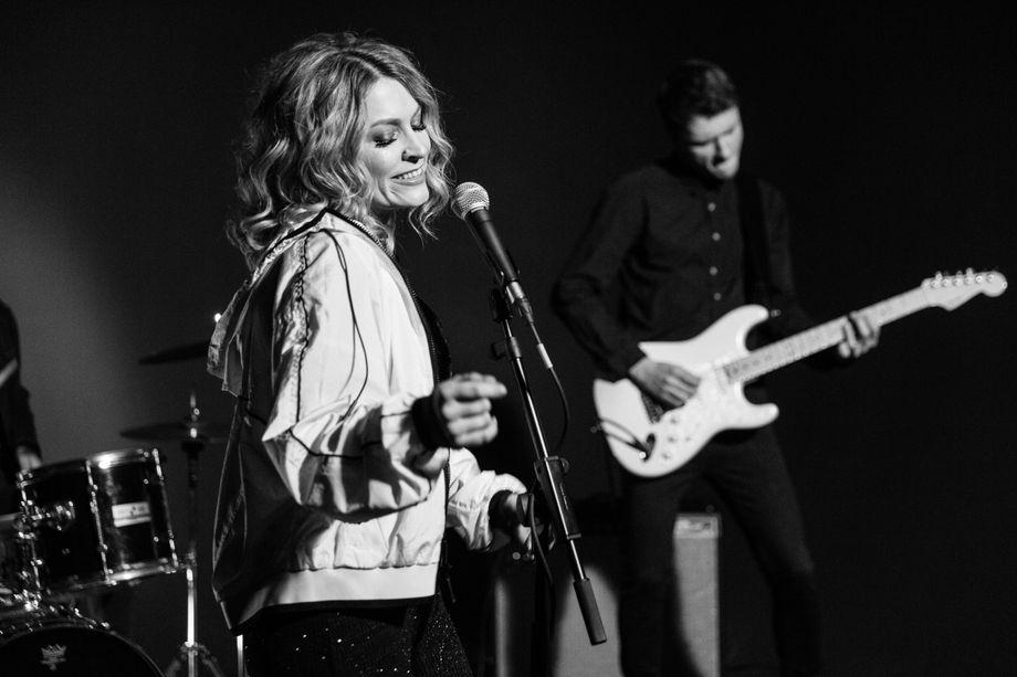 Good Vibes Band - Музыкальная группа Певец  - Киев - Киевская область photo