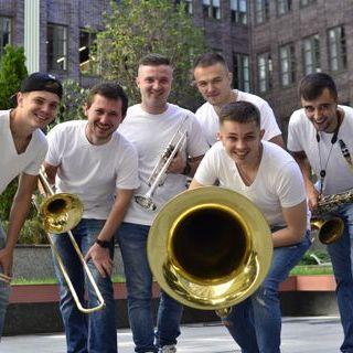 Закажите выступление Cheerful Band на свое мероприятие в Днепр