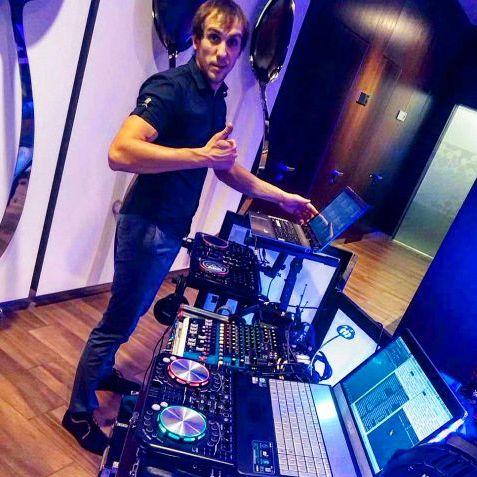 Yura DJ - Ди-джей , Днепр, Прокат звука и света , Днепр,  Поп ди-джей, Днепр Свадебный Ди-джей, Днепр Lounge Ди-джей, Днепр House Ди-джей, Днепр Ди-джей 90ые, Днепр Deep house Ди-джей, Днепр