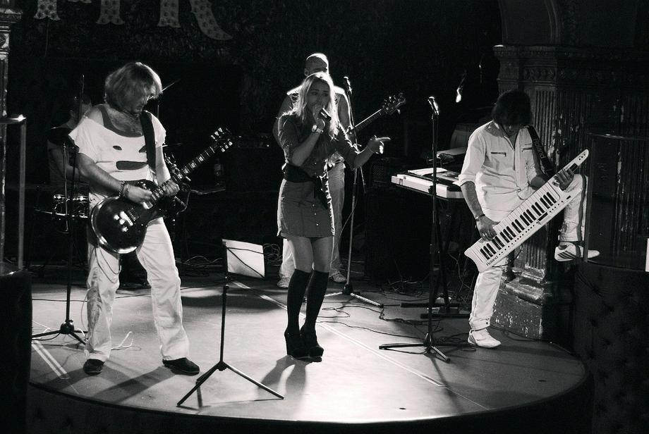 Mary S.K. & NekliFF - Музыкальная группа Ди-джей Певец  - Одесса - Одесская область photo