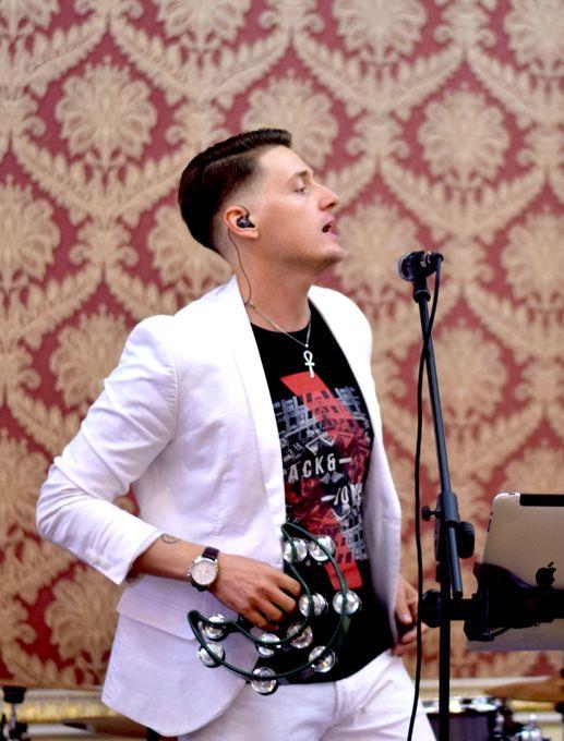Дима Дин - Ведущий, Шоумен, Певец - Ведущий или тамада Музыкальная группа Певец  - Краснодар - Краснодарский край photo