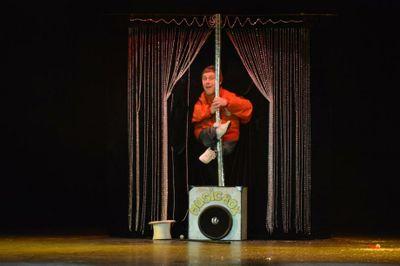 """Театр """"Иллюзион"""" под руководством народного артиста Данилина Владимира Николаевича - Иллюзионист  -  -  photo"""