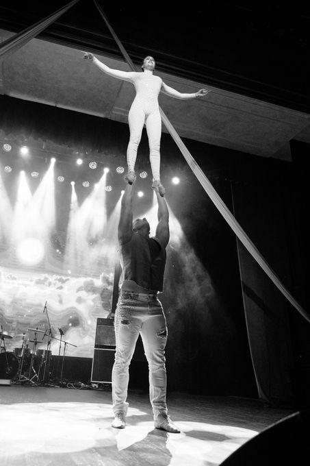 Цирковое, акробатическое шоу ШОУМЕН - Танцор Оригинальный жанр или шоу  - Москва - Московская область photo