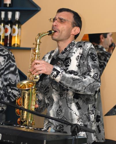 Игорь Владимирович - Музыкант-инструменталист , Харьков,  Саксофонист, Харьков