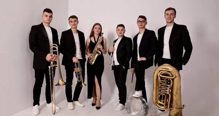 Kyiv Modern Brass - Музыкальная группа Ансамбль  - Киев - Киевская область photo