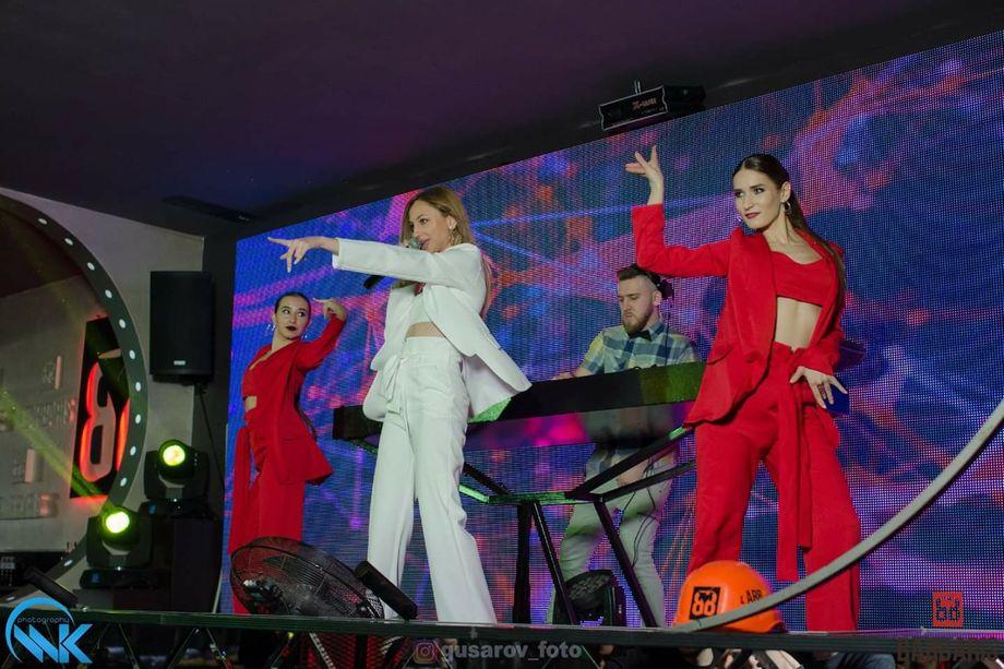 AYLLA кавер-исполнительница  с балетом - Музыкальная группа Танцор  - Киев - Киевская область photo