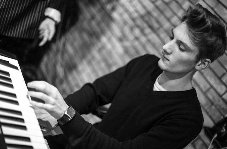 Роман - Музыкальная группа Музыкант-инструменталист  - Киев - Киевская область photo