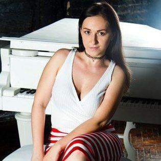 Закажите выступление Оксана на свое мероприятие в Москва