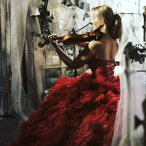 Закажите выступление Валентина на свое мероприятие в Санкт-Петербург