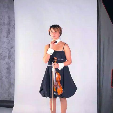 Закажите выступление Аннасолтан Скрипачка на свое мероприятие в Санкт-Петербург