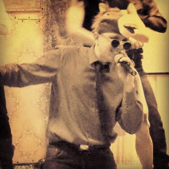 Дмитрий Суботенко - Ведущий или тамада Певец  - Киев - Киевская область photo