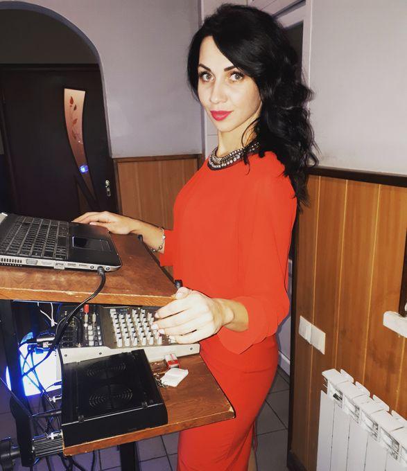 Марина Кириллова - Ведущий или тамада Ди-джей Организация праздников под ключ  - Днепропетровск - Днепропетровская область photo