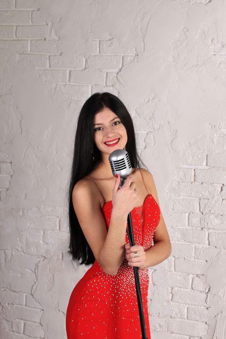 Закажите выступление Софья на свое мероприятие в Москва