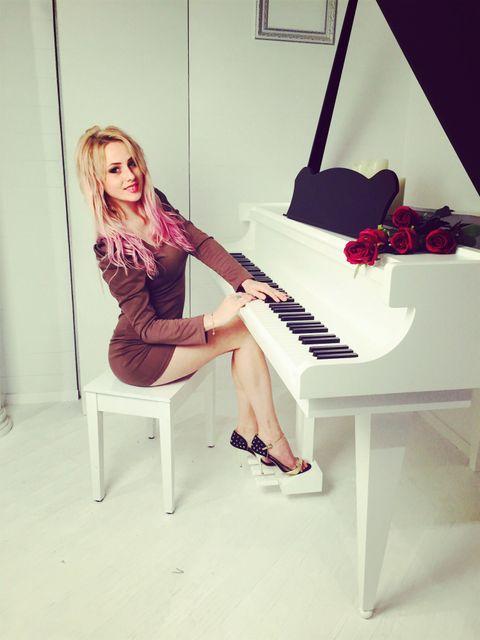 Helga Shestakovskaya - Певец , Одесса,  Джаз певец, Одесса Поп певец, Одесса Рок певец, Одесса Певец авторской песни, Одесса Кавер певец, Одесса