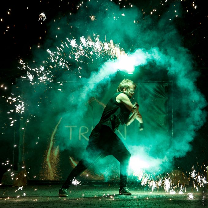 Вогняне шоу Театр вогню TRION - Танцор Оригинальный жанр или шоу  - Львов - Львовская область photo
