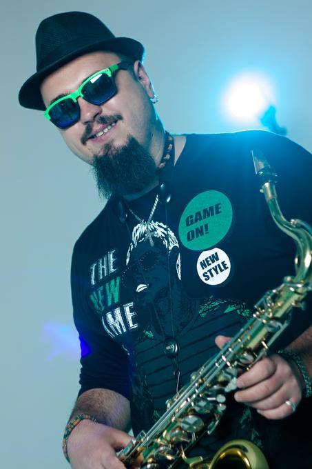 Роман - Музыкант-инструменталист Певец Прокат звука и света  - Киев - Киевская область photo
