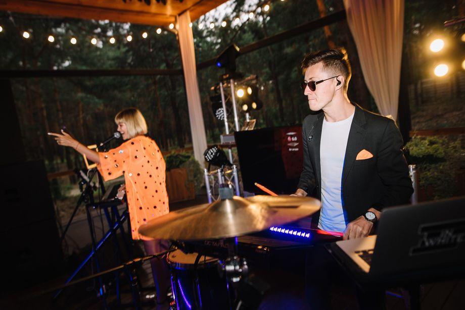 In White DUO - Музыкальная группа Прокат звука и света  - Киев - Киевская область photo